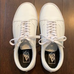 CLEAR OUT SALE ~ Vans men's white leather classic
